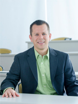 Jonathan Campbell, associate professor at the CU Skaggs School of Pharmacy and Pharmaceutical Sciences