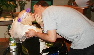 Kiss: Teresa Kwapniewski and Tommy Clark