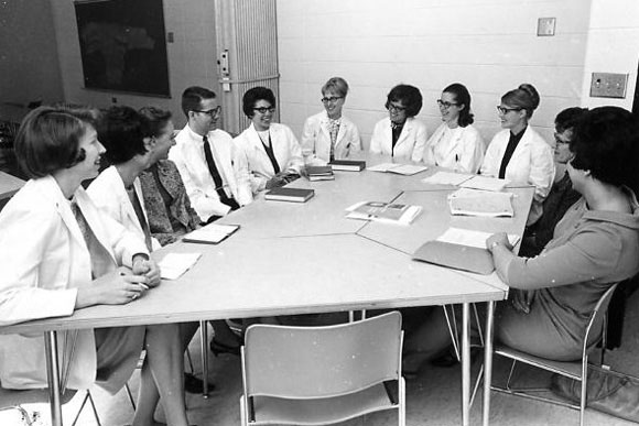 Nurse practitioner seminar class in 1966